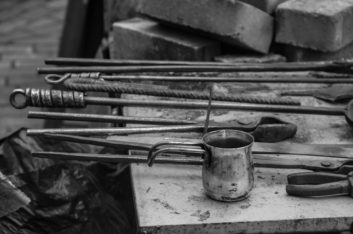 Олеся Оспенникова: «Янтарный горн» в стальных оттенках